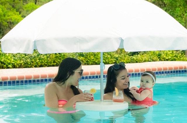 Ombrellone galleggiante da piscina pagina 2 di 2 for Gadget da piscina
