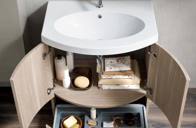 Come Arredare Un Soggiorno Piccolo : Spazi ristretti idee per arredare un bagno piccolo