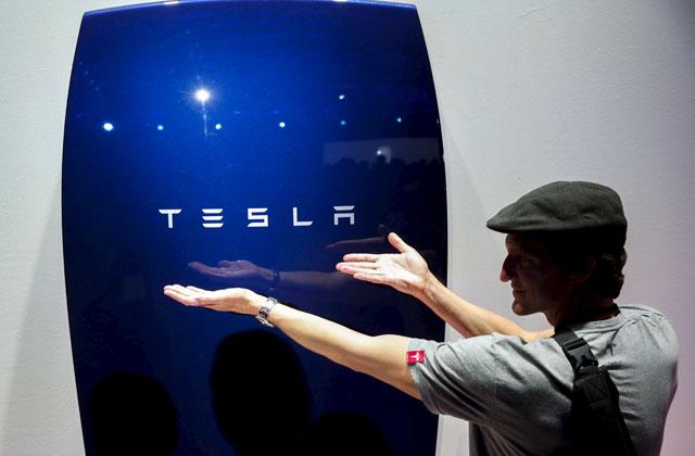 tesla pannelli solari