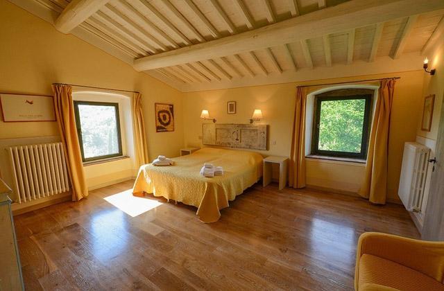 Ispirazioni per camere con travi a vista pagina 4 di 4 - Camera da letto legno massello ...