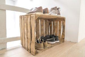 Come sistemare le scarpe in casa: scarpiere fai da te