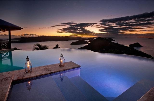 """Le piscine """"infinite"""" più belle del mondo"""