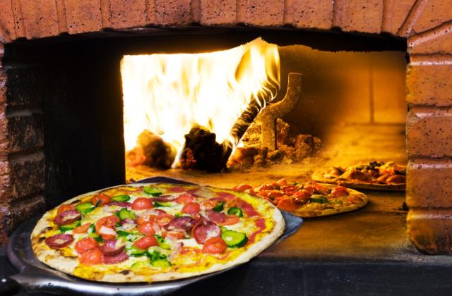 cottura a legna della pizza
