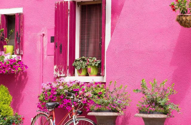 Come scegliere il colore della facciata esterna di casa for Immagini di pareti colorate