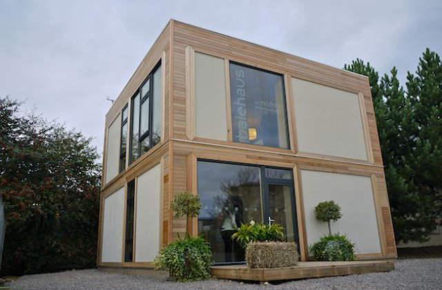 casa fatta con mattoni di canapa