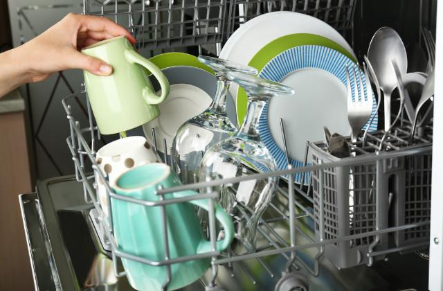 caricare la lavastoviglie