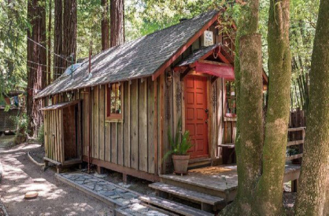 tiny house sull'albero in California