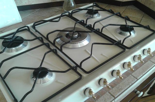 griglia della cucina pulita