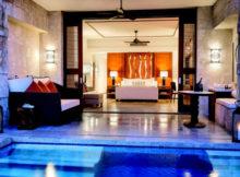 piscina camera blu